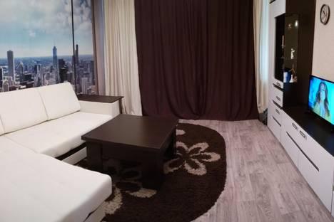 Сдается 2-комнатная квартира посуточно в Назарове, ул. 30 лет ВЛКСМ, 48.