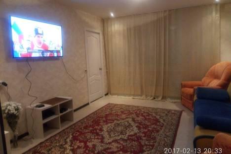 Сдается 3-комнатная квартира посуточнов Кстове, улица Бориса Панина, 4.