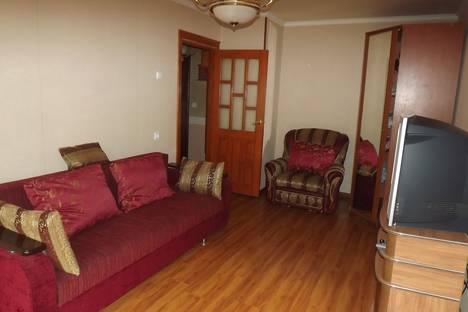 Сдается 2-комнатная квартира посуточнов Сочи, улица Свердлова, 92.