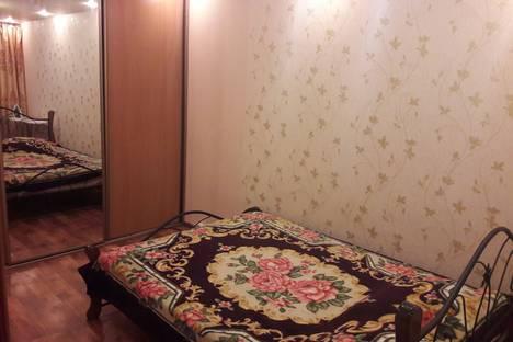 Сдается 2-комнатная квартира посуточно, Космическая улица, 13А.
