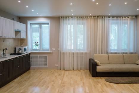Сдается 1-комнатная квартира посуточнов Твери, бульвар радищева д. 29.
