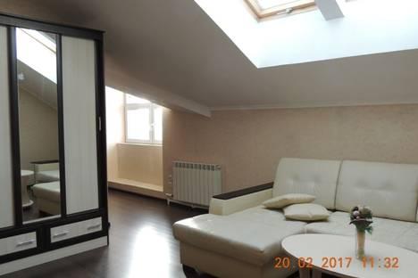 Сдается 2-комнатная квартира посуточнов Архангельске, проспект Троицкий 12.