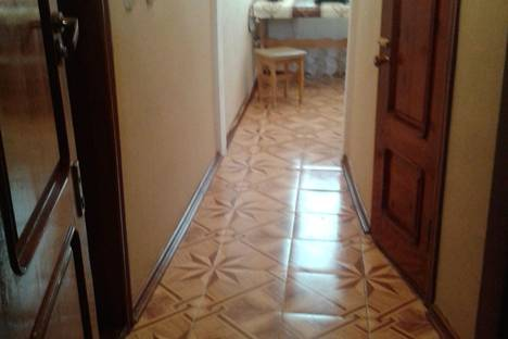 Сдается 1-комнатная квартира посуточно в Сухуме, Сухум.ул.Сахарова 47.