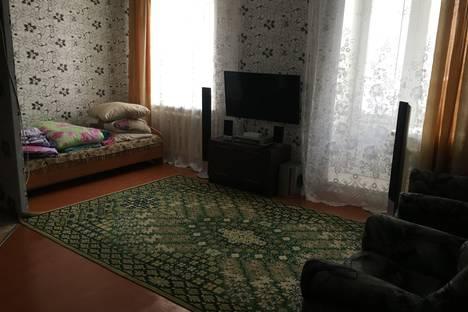 Сдается 1-комнатная квартира посуточнов Назарове, улица Арбузова, 116.