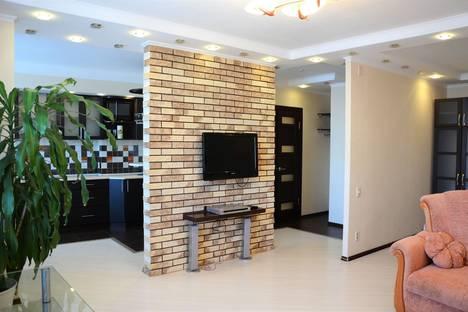 Сдается 1-комнатная квартира посуточно в Брянске, улица Красноармейская, 100.