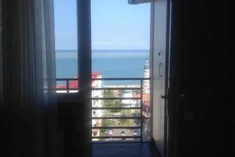 Сдается 3-комнатная квартира посуточнов Кобулети, 18 б улица Пиросмани.