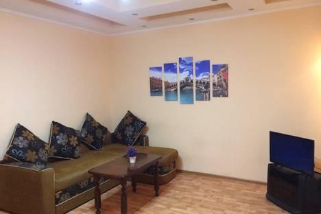 Сдается 2-комнатная квартира посуточно в Сургуте, улица Иосифа Каролинского, 8.