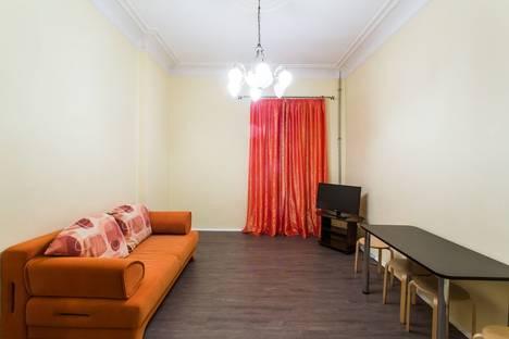 Сдается 2-комнатная квартира посуточнов Санкт-Петербурге, Невский проспект, 74.