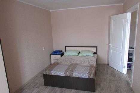 Сдается 1-комнатная квартира посуточно в Глазове, улица Сибирская, 21.