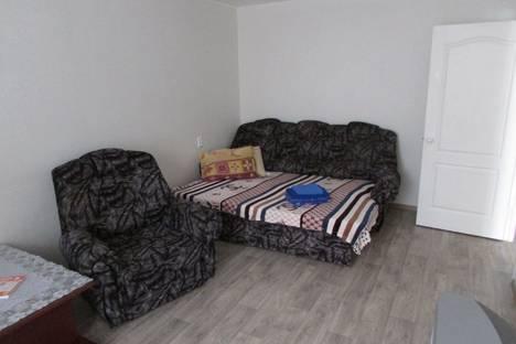 Сдается 1-комнатная квартира посуточно в Глазове, улица Сулимова, 70.