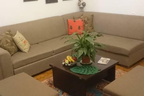 Сдается 2-комнатная квартира посуточно в Баку, Azerbaijan, Baku, Mirza Ibrahimov Street 1.