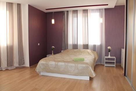 Сдается 1-комнатная квартира посуточнов Тюмени, улица Первомайская 50.