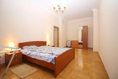 Сдается 3-комнатная квартира посуточнов Щёлкове, ул. Тверская-Ямская 1-я, 13с1.
