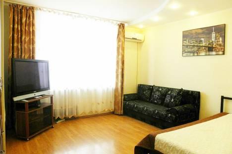 Сдается 1-комнатная квартира посуточнов Казани, Чистопольская улица, 60.