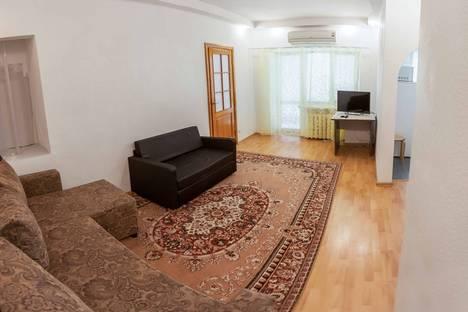 Сдается 2-комнатная квартира посуточнов Тюмени, улица Ленина, 9.