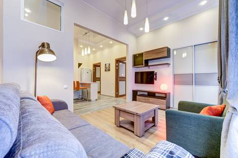 Сдается 3-комнатная квартира посуточнов Пушкине, улица Чехова, 5.