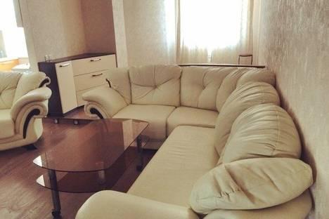 Сдается 1-комнатная квартира посуточнов Астрахани, улица Савушкина д. 6.
