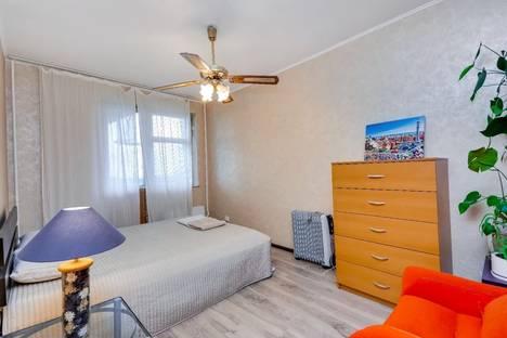 Сдается 3-комнатная квартира посуточнов Долгопрудном, шоссе Алтуфьевское, 64В.