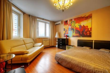 Сдается 1-комнатная квартира посуточнов Красногорске, Красногорский бульвар, д. 19.