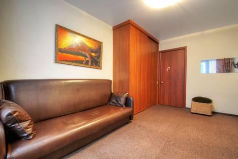 Сдается 2-комнатная квартира посуточнов Домодедове, Большая Юшуньская улица д. 8.