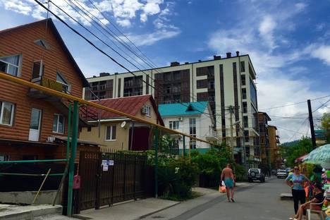 Сдается 1-комнатная квартира посуточно в Сочи, Адлер, улица Просвещения 167.