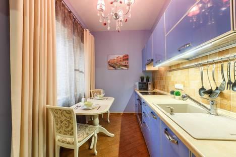 Сдается 1-комнатная квартира посуточнов Казани, Чистопольская улица, 36.