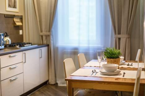 Сдается 3-комнатная квартира посуточнов Казани, Чистопольская улица, 49.