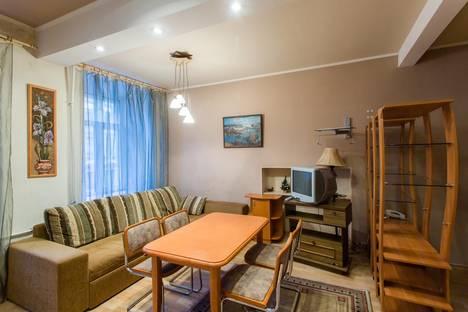Сдается 2-комнатная квартира посуточнов Санкт-Петербурге, улица Рубинштейна, 1.