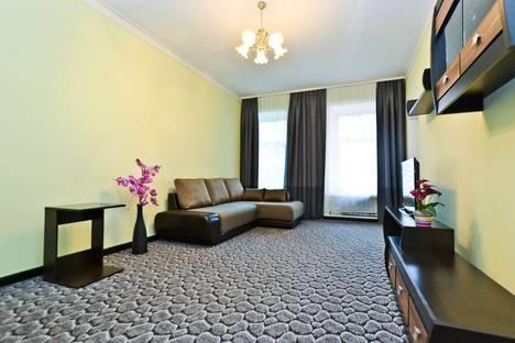 Сдается 2-комнатная квартира посуточнов Санкт-Петербурге, Невский проспект, 63.