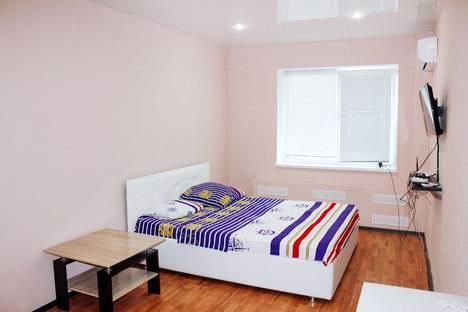Сдается 1-комнатная квартира посуточно в Тольятти, улица 40 Лет Победы, 104а.