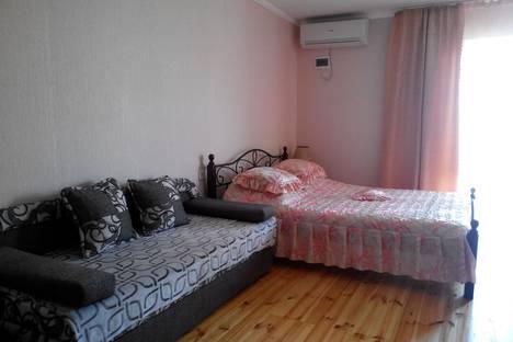 Сдается коттедж посуточно в Новом Свете, Крым,16 улица Шаляпина.