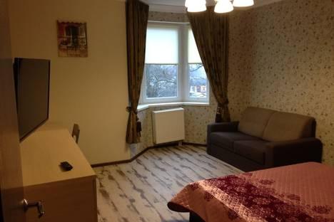 Сдается 1-комнатная квартира посуточно в Зеленоградске, улица Московская, 60.