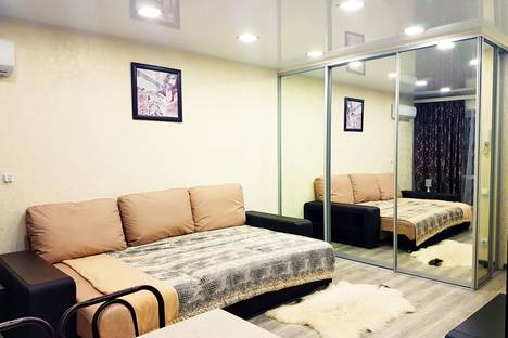 Сдается 1-комнатная квартира посуточно в Курске, ул. Радищева, 86, (ЛЕНИНА) СТУДИЯ в ЦЕНТРЕ.