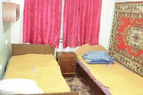 Сдается 4-комнатная квартира посуточнов Апатитах, Бредова, 33.