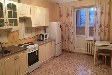 Сдается 2-комнатная квартира посуточно в Уфе, ул. Комарова, 8.