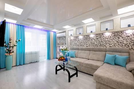 Сдается 2-комнатная квартира посуточно в Йошкар-Оле, улица Пролетарская дом 44.