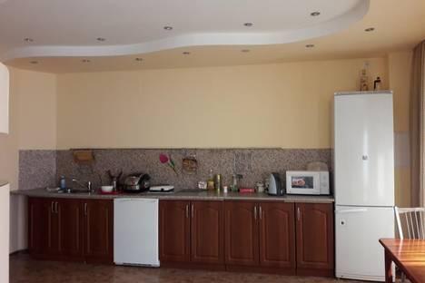 Сдается 1-комнатная квартира посуточнов Якутске, Октябрьская улица 11.