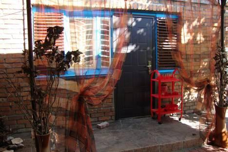 Сдается коттедж посуточно в Керчи, улица Шмидта, 24.