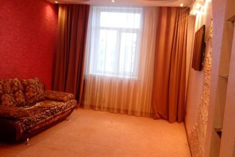 Сдается 2-комнатная квартира посуточнов Норильске, Ленинский проспект, 17.