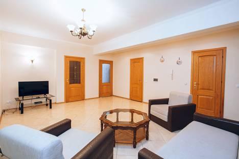 Сдается 3-комнатная квартира посуточно в Кишиневе, Strada Lev Tolstoi, 24/1.