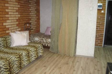 Сдается 1-комнатная квартира посуточнов Кургане, 5-й микрорайон дом 11.