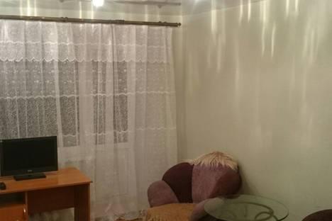 Сдается 2-комнатная квартира посуточнов Златоусте, ул. Дворцовая, 12.