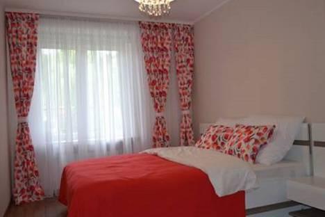 Сдается 2-комнатная квартира посуточно в Магнитогорске, проспект Карла Маркса, 166.