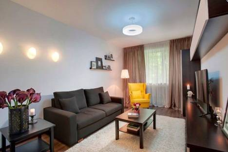 Сдается 2-комнатная квартира посуточно в Алматы, улица имени Утепова 21а.