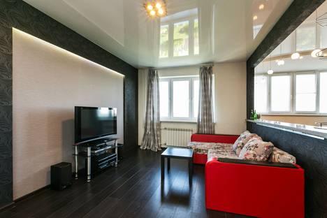 Сдается 1-комнатная квартира посуточно, улица Рощинская, 9.