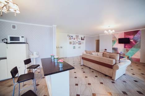 Сдается 3-комнатная квартира посуточно в Уфе, улица Заки Валиди, 58.