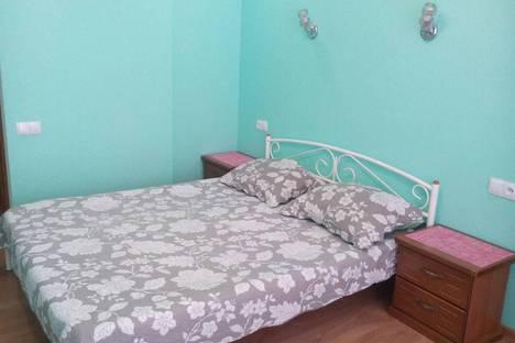 Сдается 1-комнатная квартира посуточно, улица Адмирала Фадеева, 48.