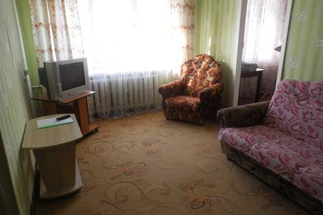 Сдается 2-комнатная квартира посуточнов Шадринске, улица Гагарина, 10.