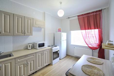 Сдается 2-комнатная квартира посуточно в Перми, ул. шоссе Космонавтов, д. 118.