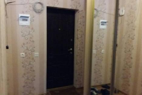 Сдается 2-комнатная квартира посуточно в Керчи, 39 улица Свердлова.